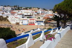 Взгляд деревни Carvoeiro стоковая фотография rf