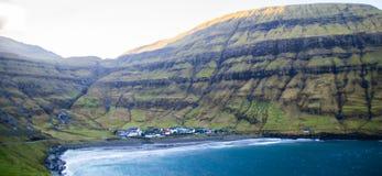 Взгляд деревни Tjornuvik, Фарерские острова, Европа стоковые изображения