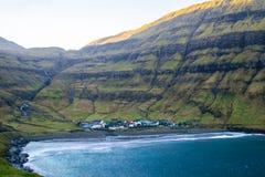 Взгляд деревни Tjornuvik, Фарерские острова, Европа стоковая фотография rf