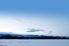 взгляд дистантных гор просто снежный Стоковое Фото