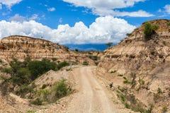 взгляд долины дороги pamirs гор афганский голубой взгляд неба pamir гор облака стоковая фотография