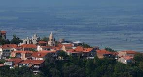 Взгляд долины Signagi и Alazani Популярная туристическая достопримечательность Georgia стоковые изображения rf