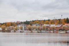 Взгляд дома таможен в гавани озера Saimaa на день осени Стоковые Фото