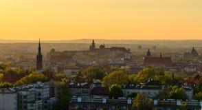 Взгляд замка Wawel от насыпи Krakus стоковое изображение rf