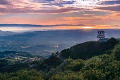Взгляд захода солнца к San Francisco Bay как увидено от саммита Mt Диабло Стоковые Фотографии RF