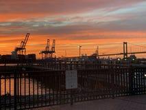 Взгляд захода солнца порта Филадельфии стоковые изображения rf