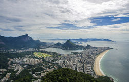 Взгляд захода солнца хлебца сахара горы и Botafogo в Рио-де-Жанейро Бразилии Стоковые Фотографии RF