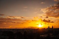 Взгляд захода солнца Floriana от Валлетты стоковое фото rf