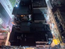 Взгляд здания к ноча от крыши в токио, Японии Стоковое Изображение