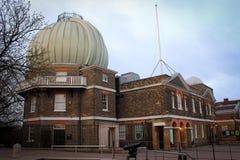 Взгляд здания обсерватории Гринвича, Лондон стоковое фото
