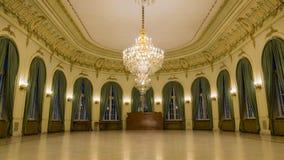 Взгляд изнутри замка с праздничной залой стоковое фото rf