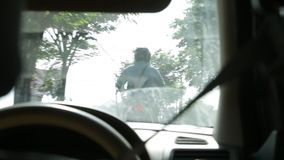 Взгляд из окна автомобиля в Бали видеоматериал