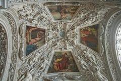 Взгляд интерьера собора Зальцбурга стоковое изображение rf