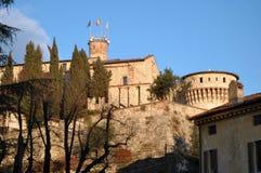Взгляд исторического замка от города Брешии - Брешия - Стоковое Фото