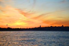 Взгляд исторического района Fatih от мраморного моря, Стамбула, Турции Стоковые Фотографии RF
