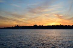 Взгляд исторического района Fatih от мраморного моря, Стамбул, Стоковые Фотографии RF