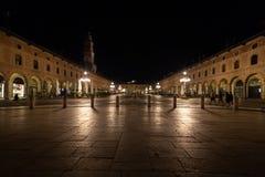 Взгляд квадрата vigevano и башни bramante стоковая фотография rf