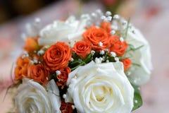 Взгляд конца-вверх красивого букета роз и succulents Стоковые Фотографии RF
