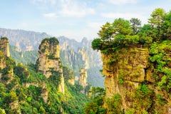 Взгляд крана клюя горы воплощения утеса и каньона Стоковое Изображение