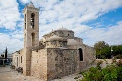 Взгляд красивой церков Agia Paraskevi византийской Paphos стоковые фото