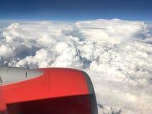 Взгляд красивых белых облаков кумулюса Стоковое фото RF