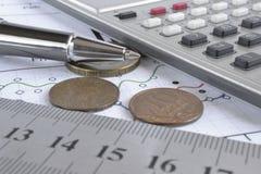 взгляд кредита конца карточки предпосылки финансовохозяйственный поднимающий вверх Стоковые Фото