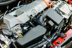 Взгляд крупного плана двигателя автомобиля спорт мощный Стоковое Изображение RF