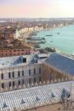 Взгляд крыш Венеции от вершины колокольни Сан Marco в Венеции, Италии Стоковое Изображение RF
