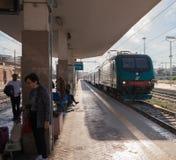 Взгляд к вокзалу стоковое изображение