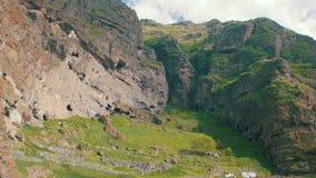 Взгляд ландшафта горной цепи в Georgia сток-видео