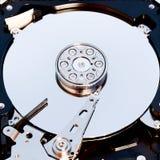 Взгляд макроса жесткия диска внутрь Стоковые Изображения