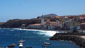 Взгляд маленького города Candelaria в Тенерифе Стоковое фото RF