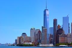 Взгляд Манхаттана от залива, США, Нью-Йорка стоковая фотография