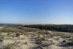 Взгляд мертвых дюн, вертела Curonian и лагуны Curonian стоковые фото
