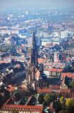 Взгляд монастырской церкви Freiburger, Фрайбург im Breisgau, Германия стоковое фото rf