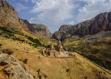 Взгляд монастыря Noravank сложный стоковые фотографии rf
