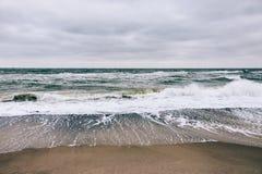 Взгляд моря и волн Стоковые Изображения