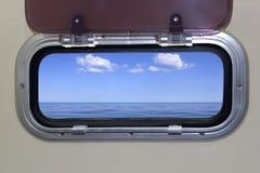 взгляд моря porthole голубого океана шлюпки совершенный стоковое изображение rf