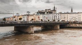 Взгляд моста в Зальцбург-Австрии стоковые изображения