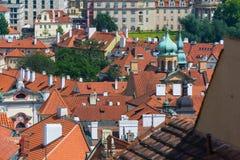 Взгляд над зданиями в Праге Стоковое Фото