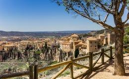 Взгляд над историческим городом Cuenca стоковые фотографии rf