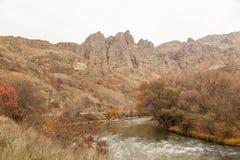 Взгляд над красивым каньоном от края дороги E Стоковые Фотографии RF