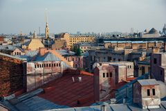 Взгляд над крышами Санкт-Петербурга Стоковые Изображения