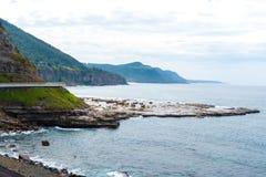 Взгляд над мостом скалы моря 665 метров длинным, сбалансированным консольным мостом вдоль сценарного грандиозного Тихого океан пр Стоковые Фото