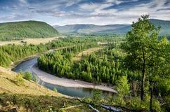 Взгляд над рекой oka, русской природой Бурятия Сибирь стоковое изображение