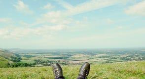 Взгляд над старыми ботинками - второй вариант стоковое изображение rf