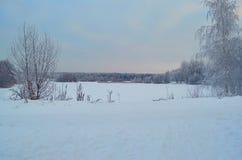 Взгляд на замороженном озере стоковое изображение