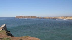 Взгляд на красивом пляже в Peniche, Португалии сток-видео