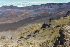 Взгляд на кратере na górze вулкана Haleakala, Мауи стоковая фотография