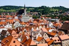Взгляд на крышах Cesky Krumlov стоковое фото rf